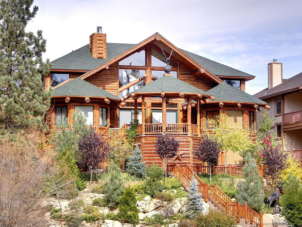 Surrounded by water lakefront log cabin estate wow for Big bear lakefront cabin rentals