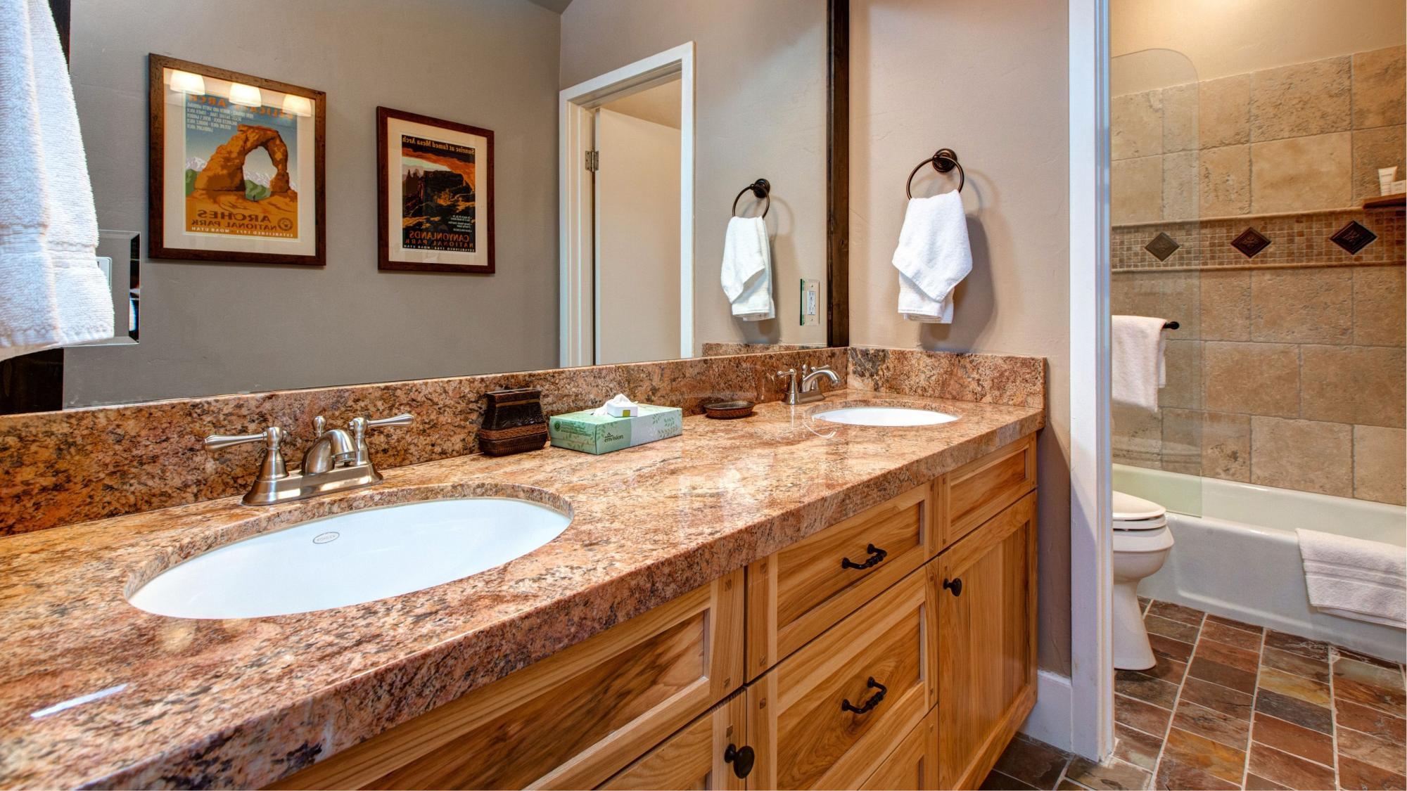 Bathroom Kings 3 kings mountain vista ~ ra131115 | redawning