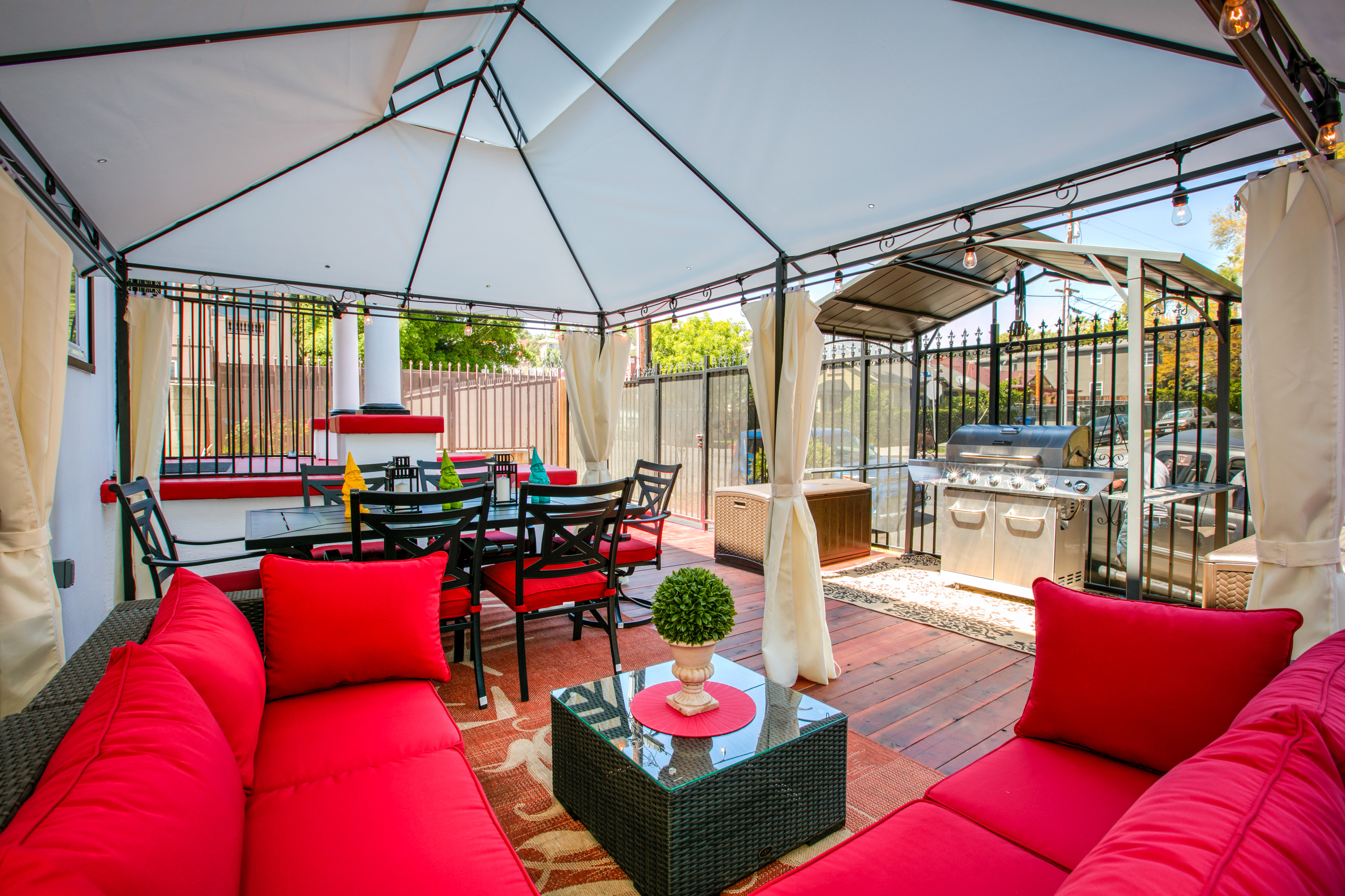 6420 dix street duplex ra150650 redawning for Los angeles holiday rental