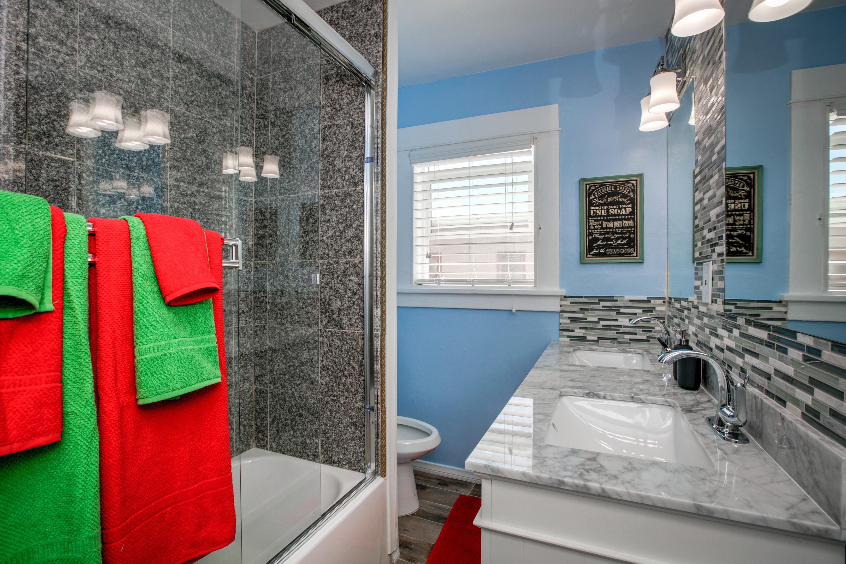 6420 Dix Street Duplex ~ RA150650 | RedAwning