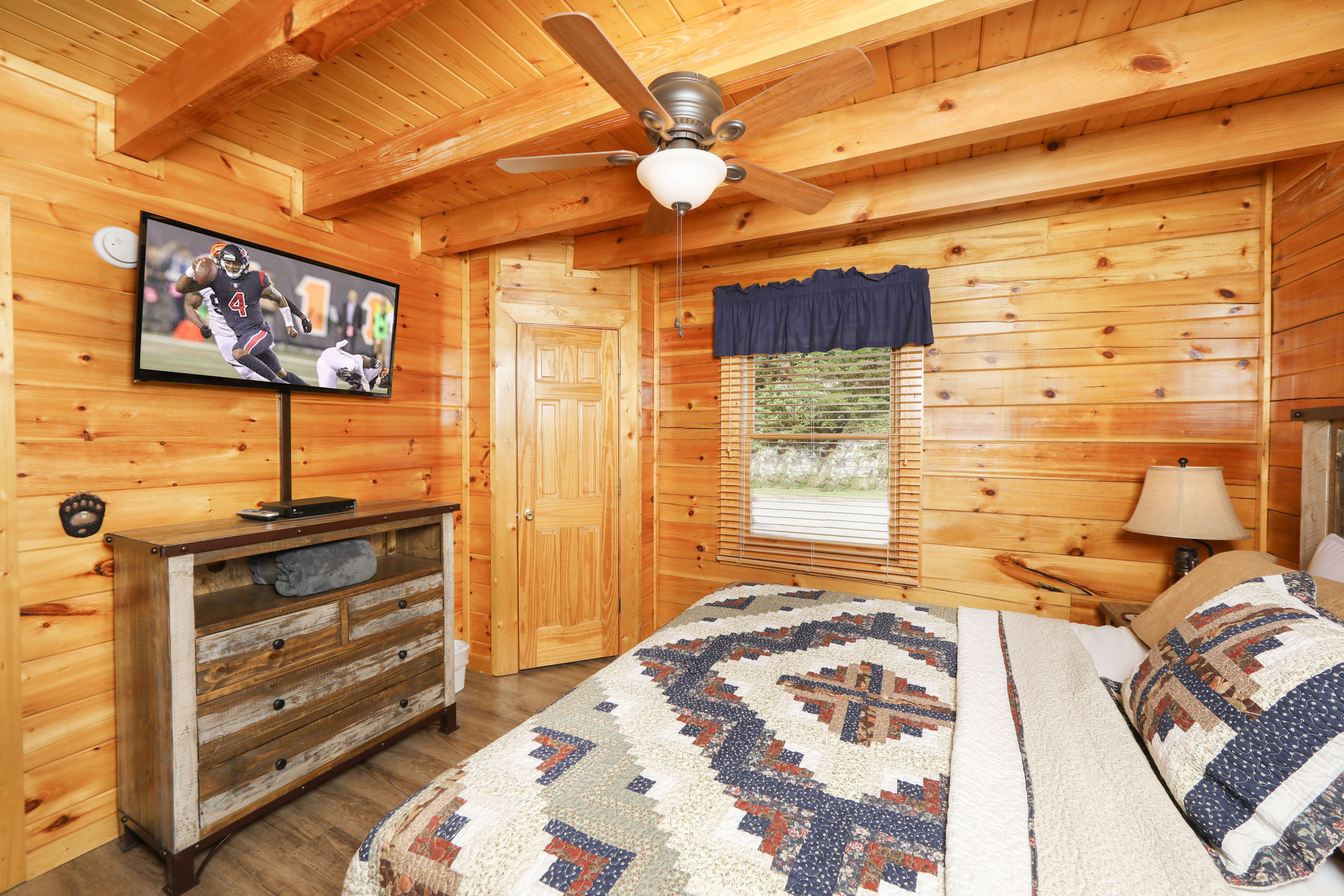 under bedroom in morning mist rental gatlinburg cabin pigeon forge cabins
