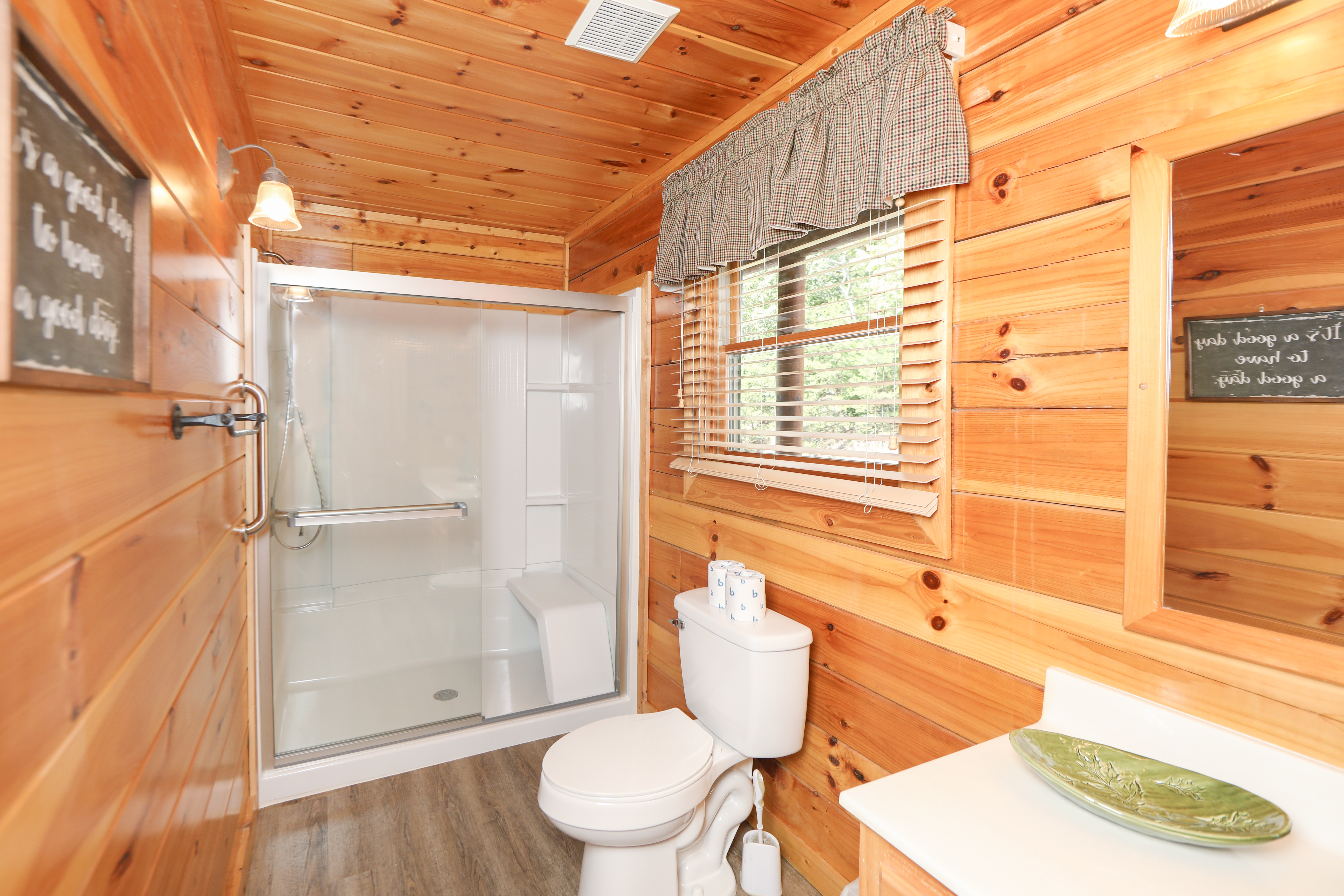 puki rentals cabin with under hocking forge pigeon in cabins hills me pool indoor rental