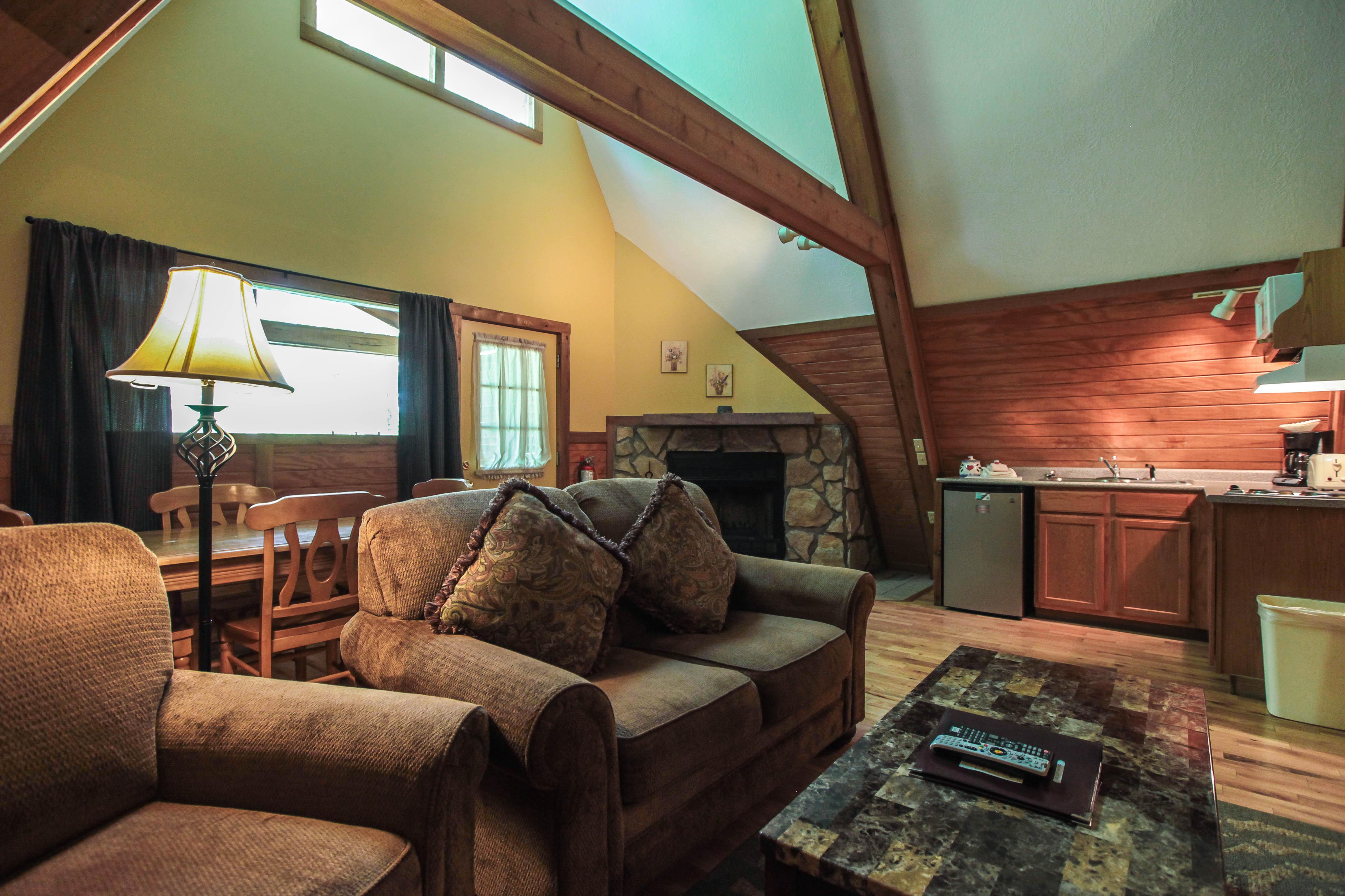 in ohio getaways cabin hocking pin bentree lodges and hills lodging cabins romantic buffalo company lodge