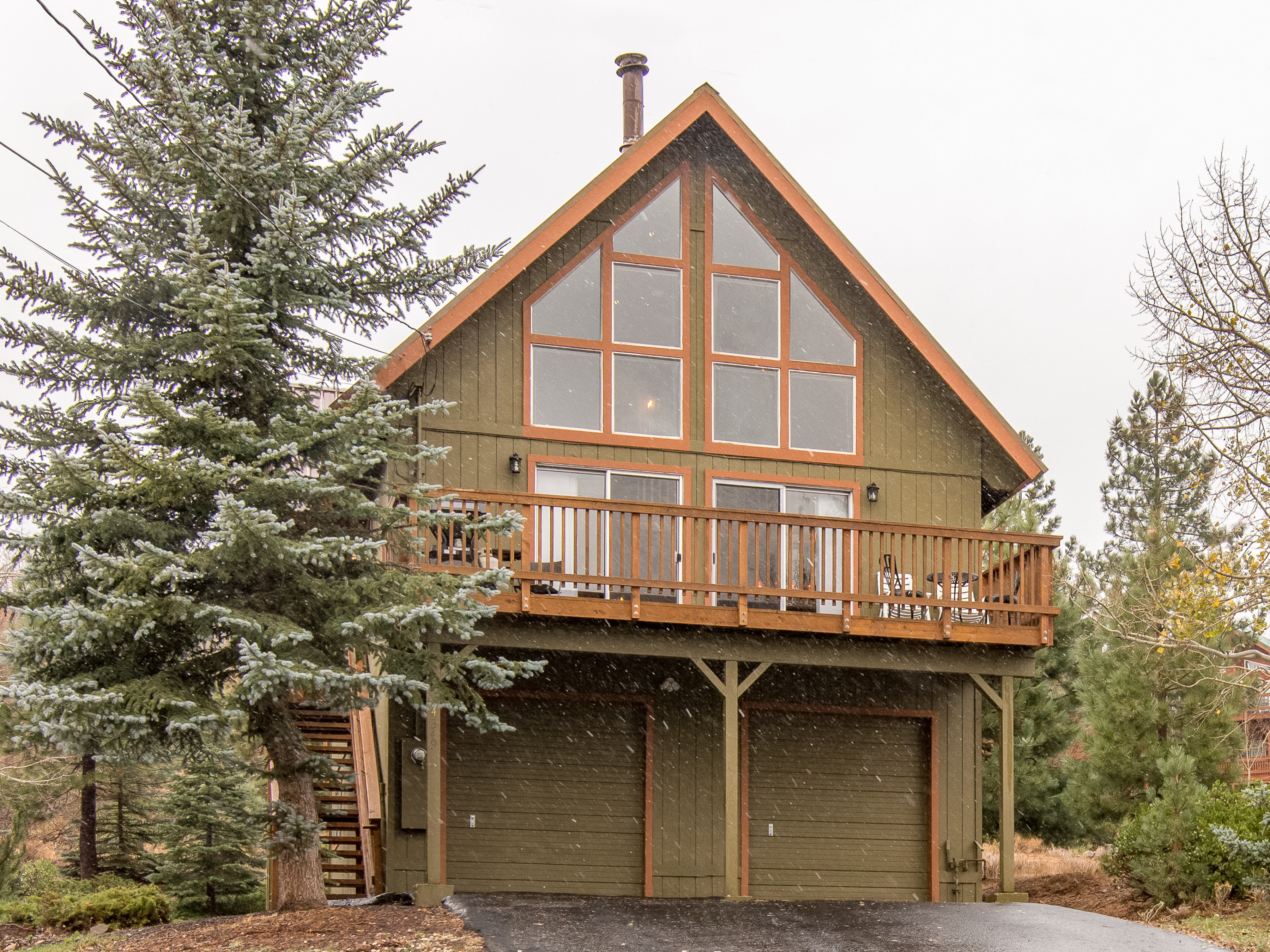 drive cottages home of hotel us cottage image booking vacation property com ca gallery truckee this munich