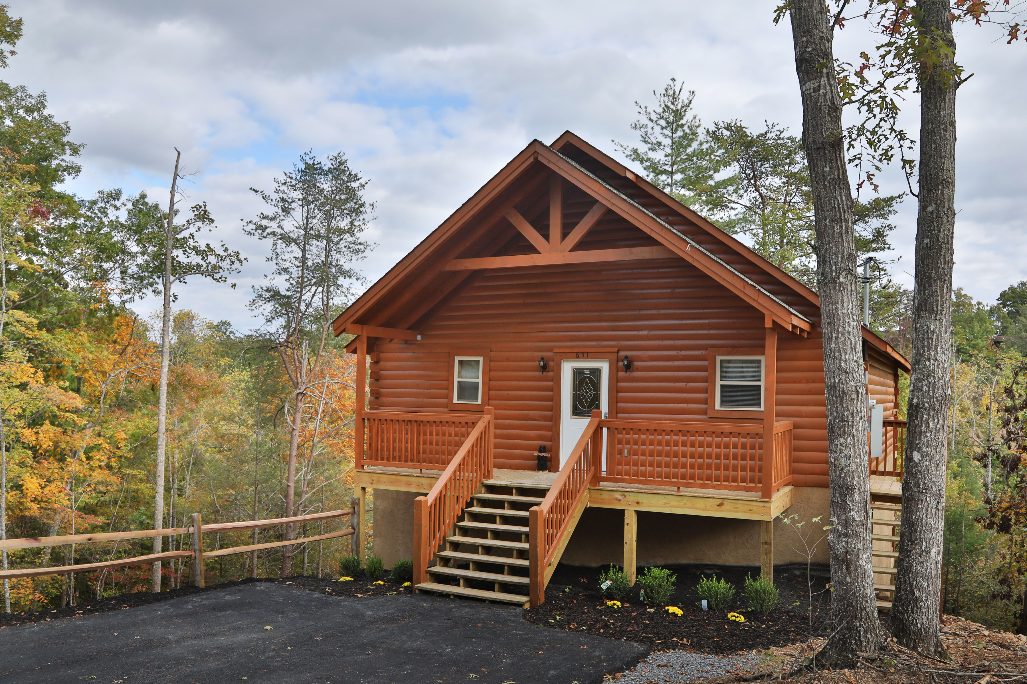 dsc at sale htm in luxuryhomesandcabins cabins luxury homes and forge pigeon for