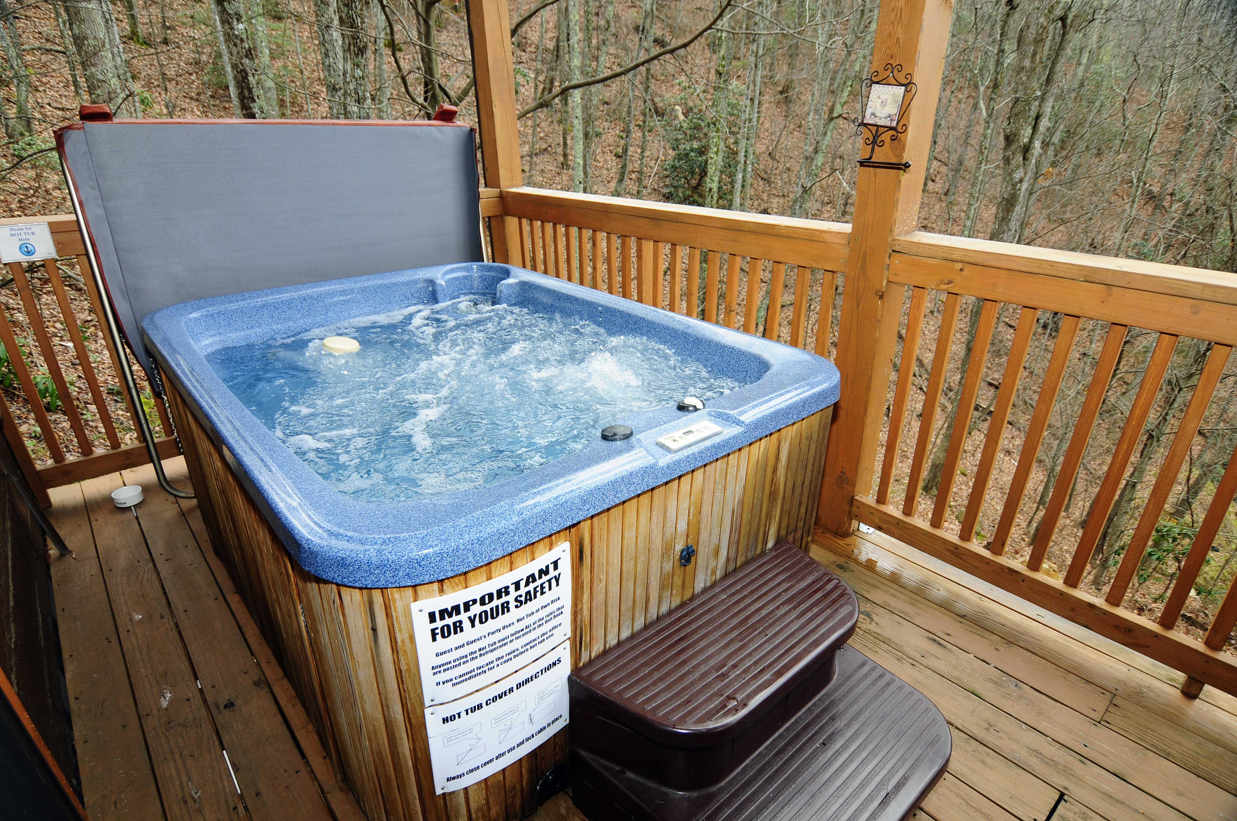 and pool cabins tennessee on in this indoor of ll vista lodge find with level you cabin located pin the summit bottom bedroom