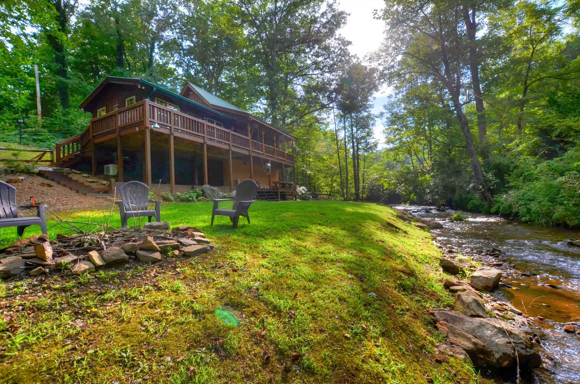 Superbe Cabin On The Creek 1117 Vacation Rental In Sylva   RedAwning
