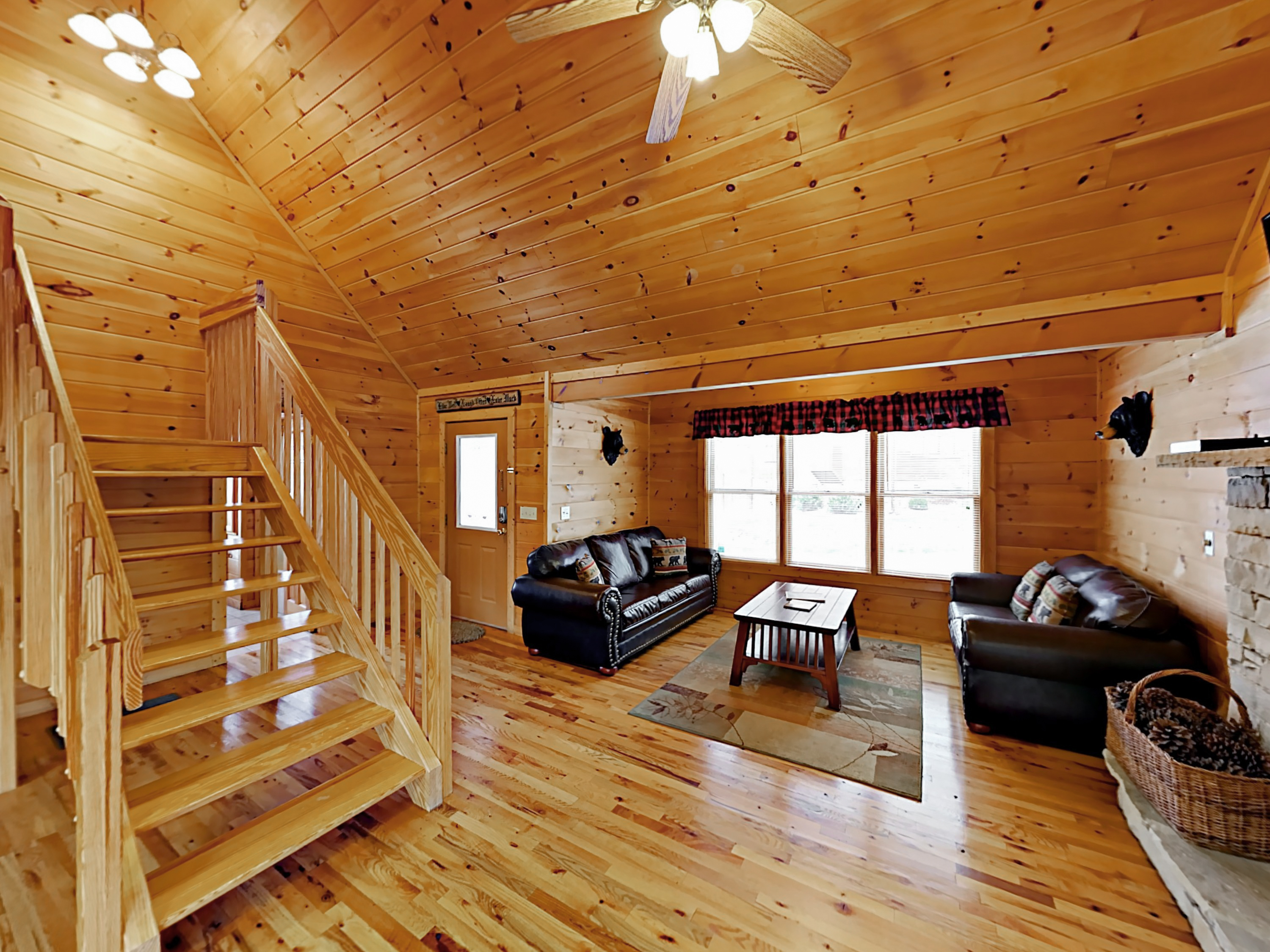 bedroom cabins located absolute cabin in high gatlinburg online