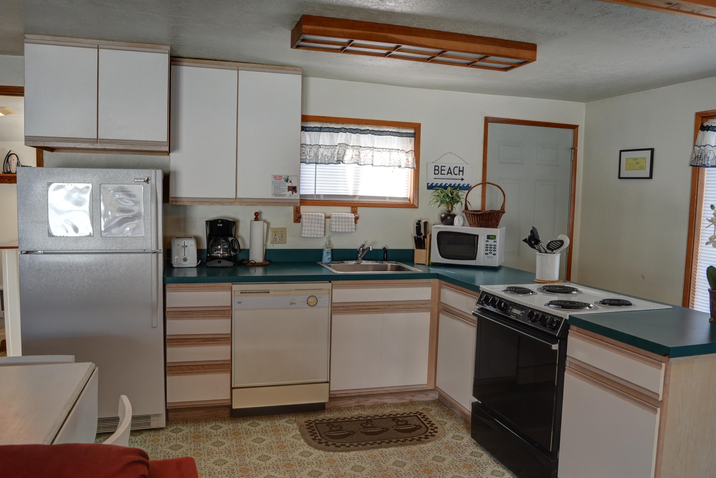 comforter american single bathroom oregon wayfair pdx inn imaginations seaside set vanity improvement home comfort
