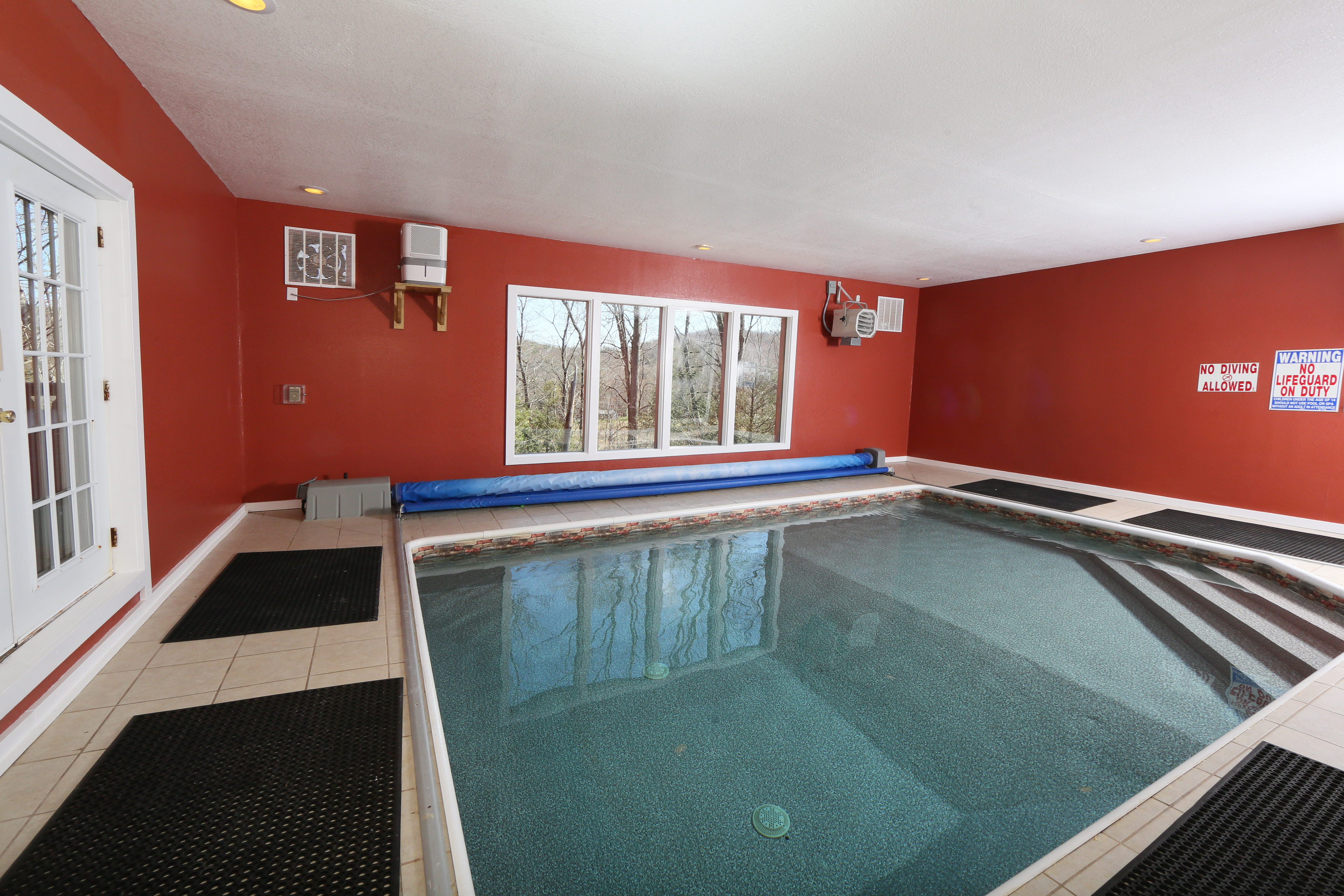 friendly forge tn indoor pool under tennessee cabins in near with pigeon discount pet cabin cheap rentals