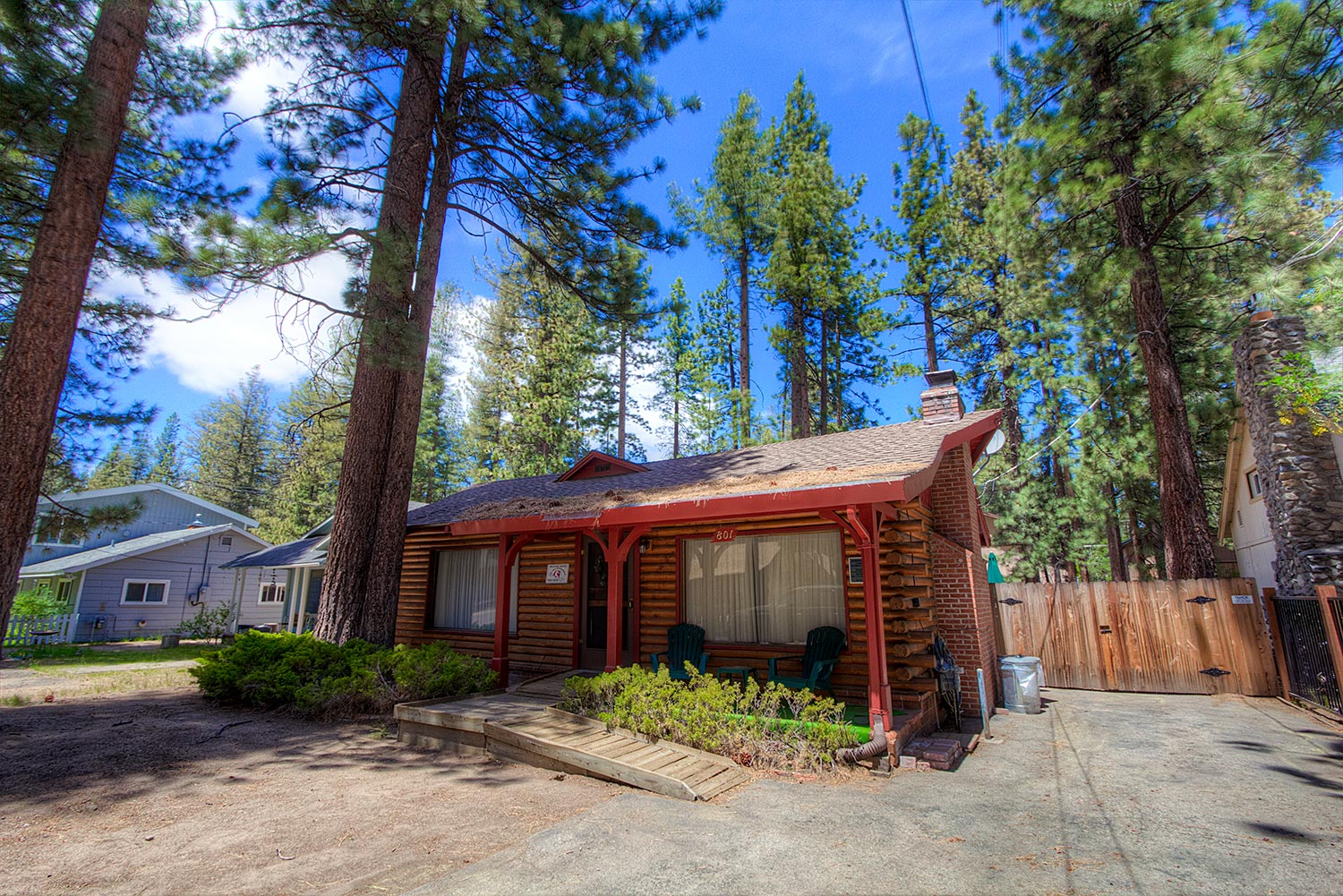 Adorable tahoe cabin perfect family choice ra711 redawning for Tahoe city cabin rentals
