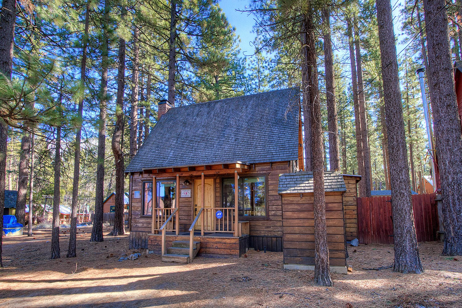 Adorable old tahoe cabin with amazing remodel ra741 for Rent a cabin in lake tahoe ca