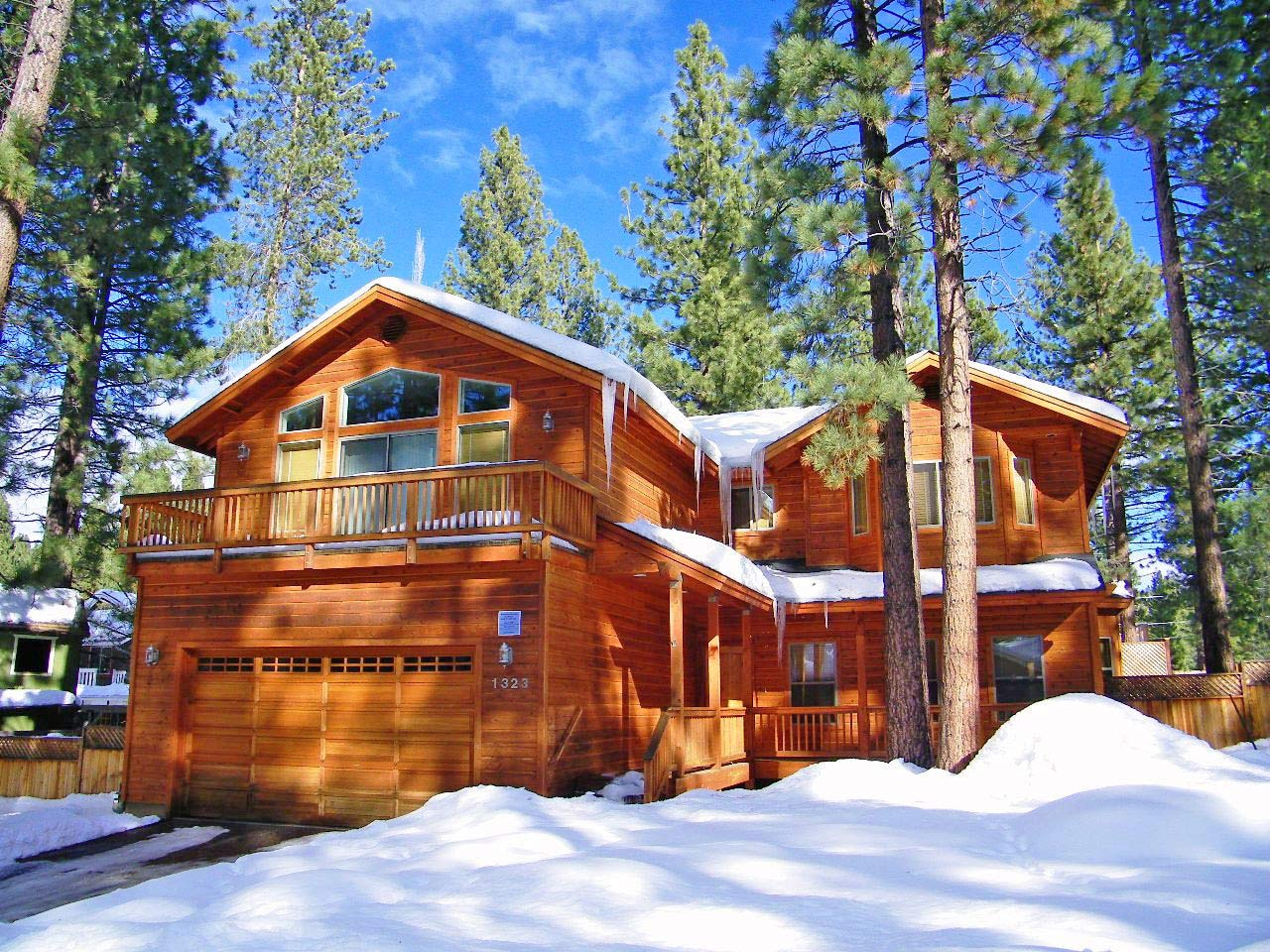 Wonderful 3 bedroom home with hot tub ra744 redawning for Tahoe city cabin rentals