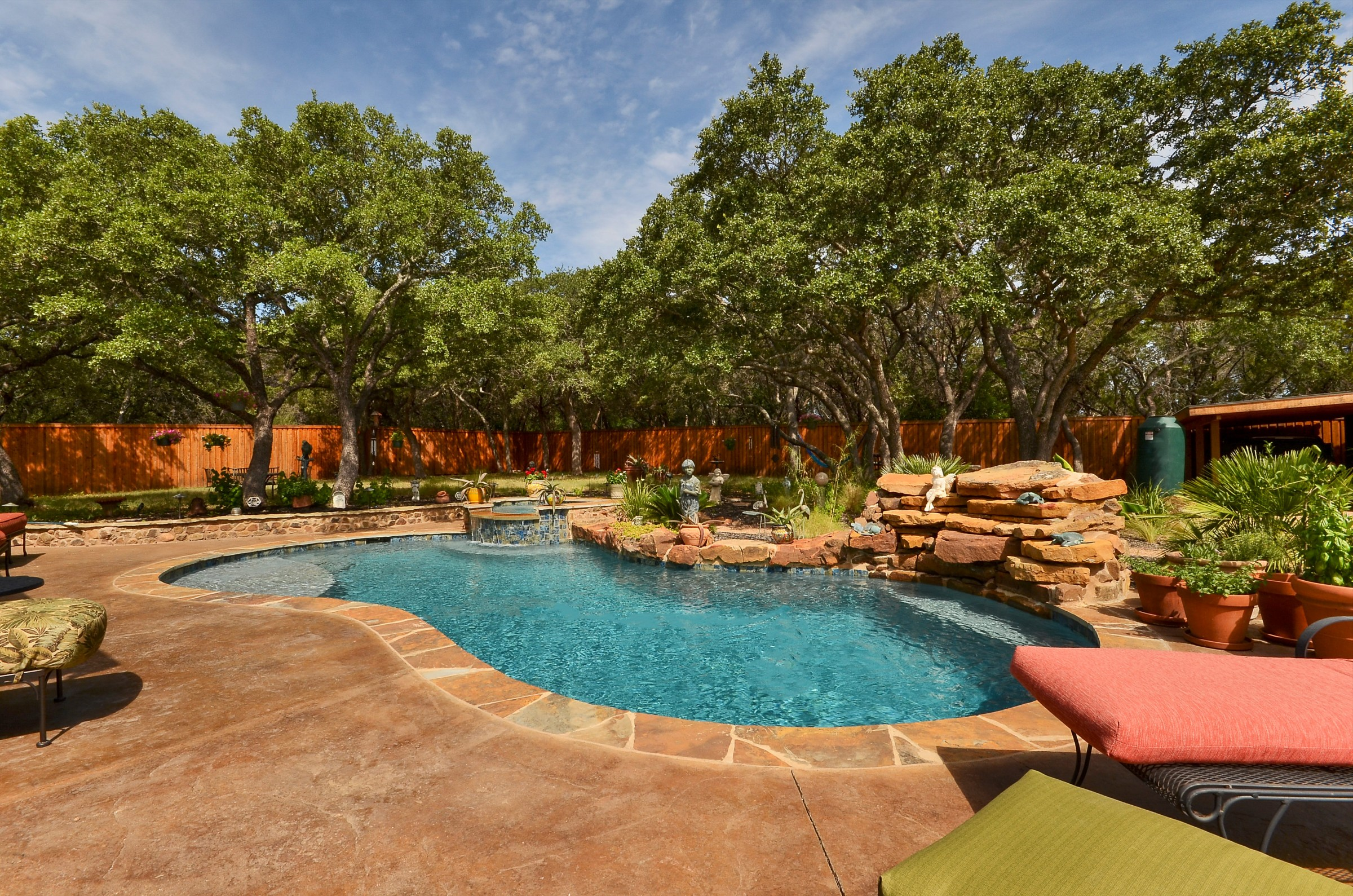 3BR/3BA Lake Travis Retreat with Pool Oasis ~ RA88197 | RedAwning