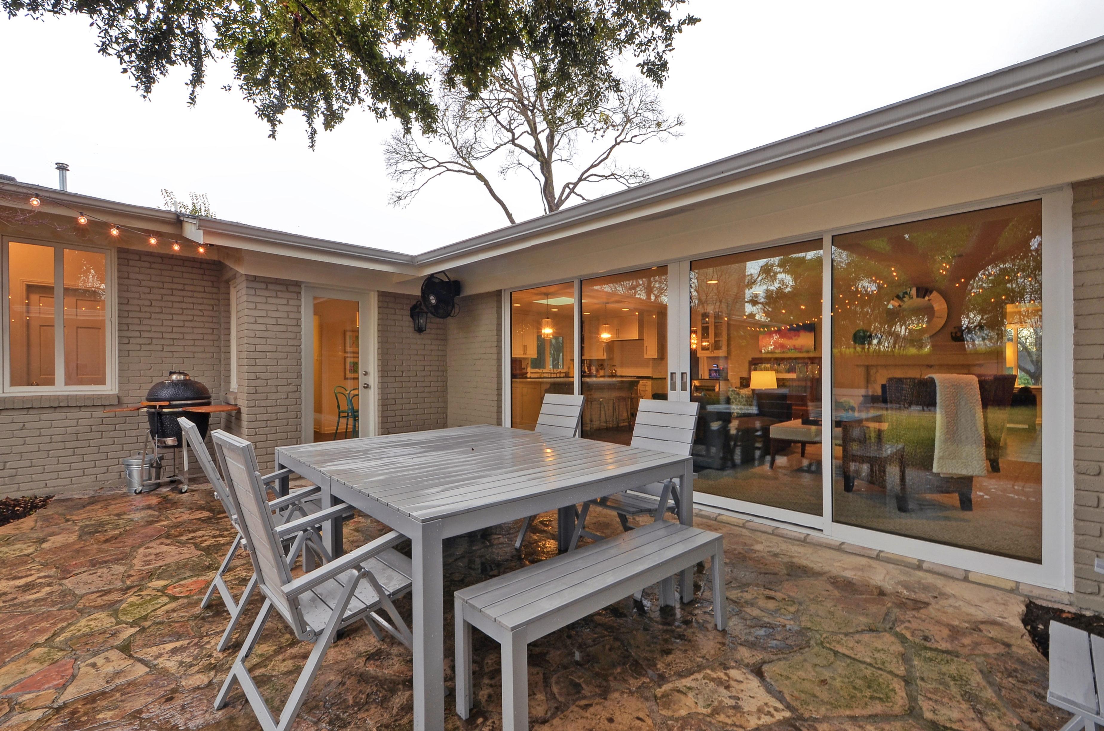 4BR35BA Luxurious Central Austin House RA