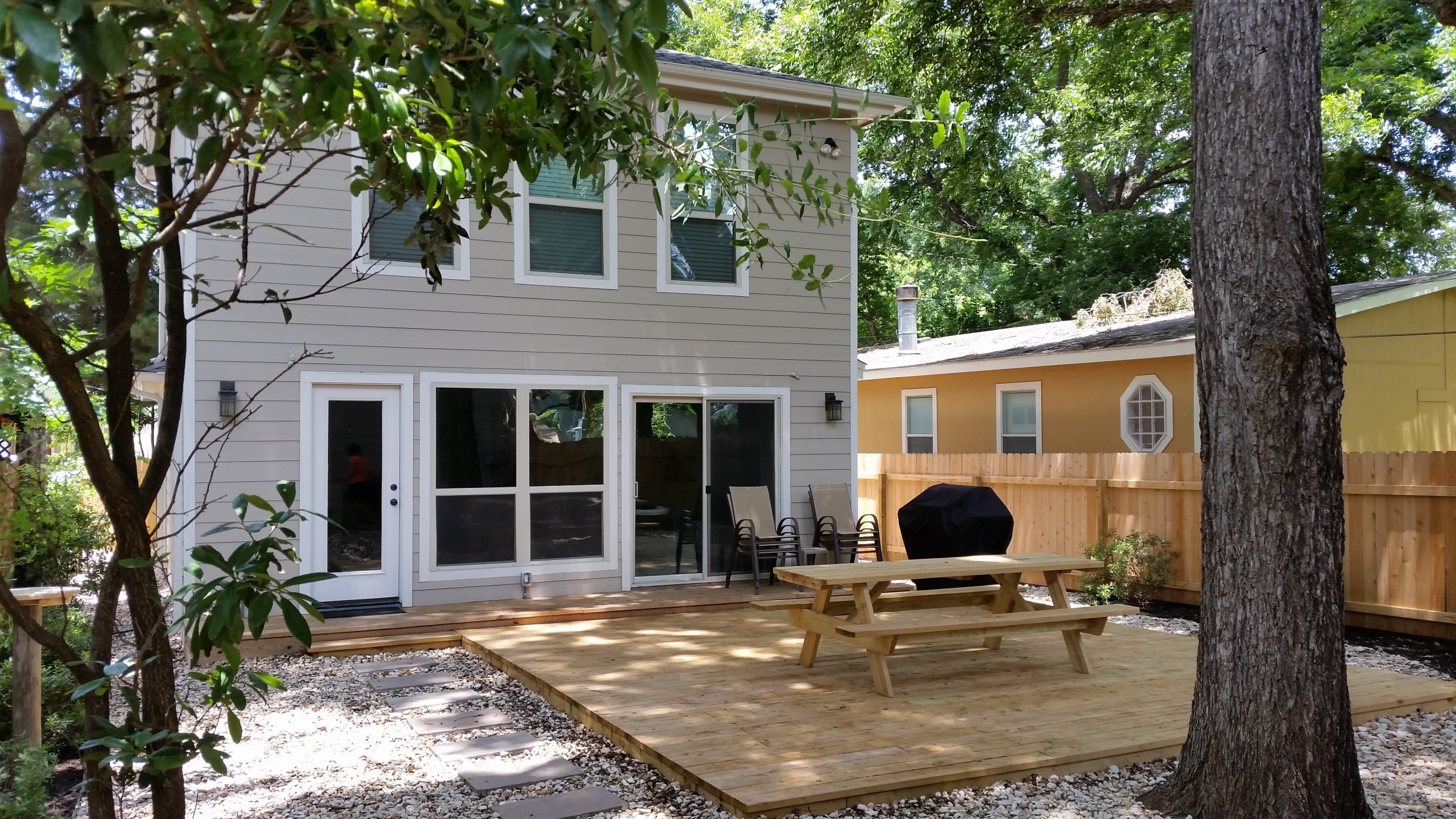 4BR35BA House with Separate Studio Austin RA