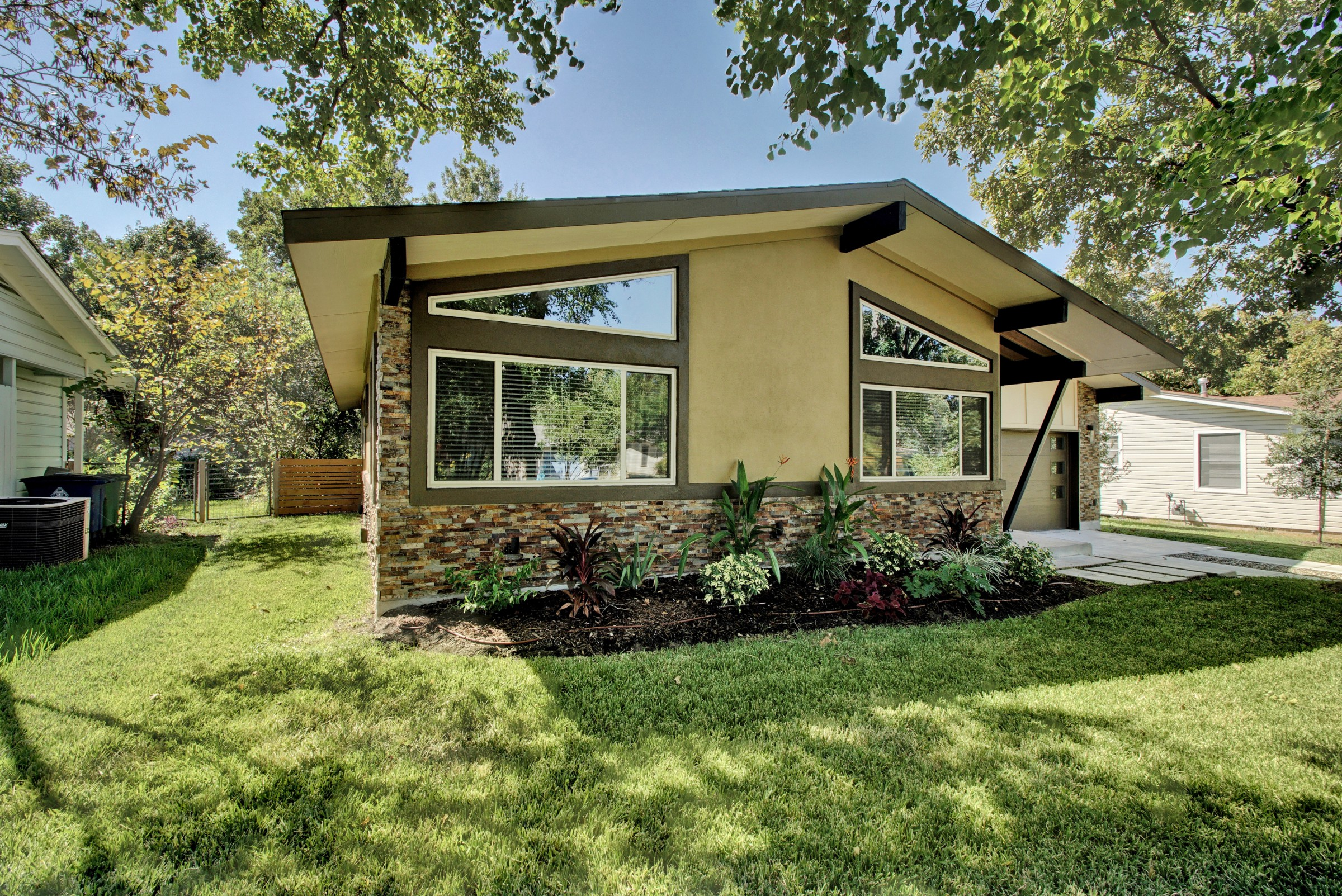 3BR Tree Shaded Home in Austin RA