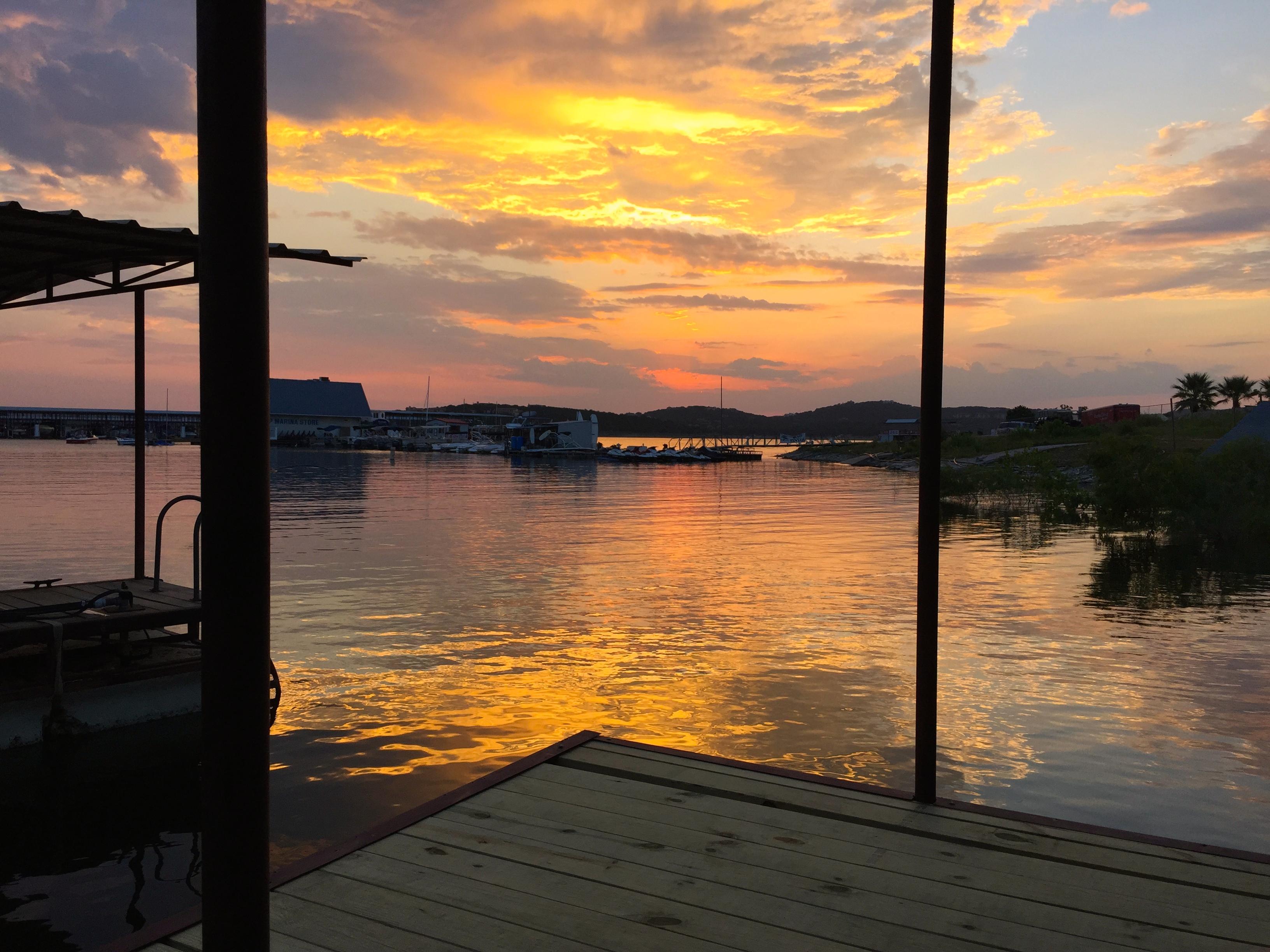 lake travis in your backyard ra88766 redawning