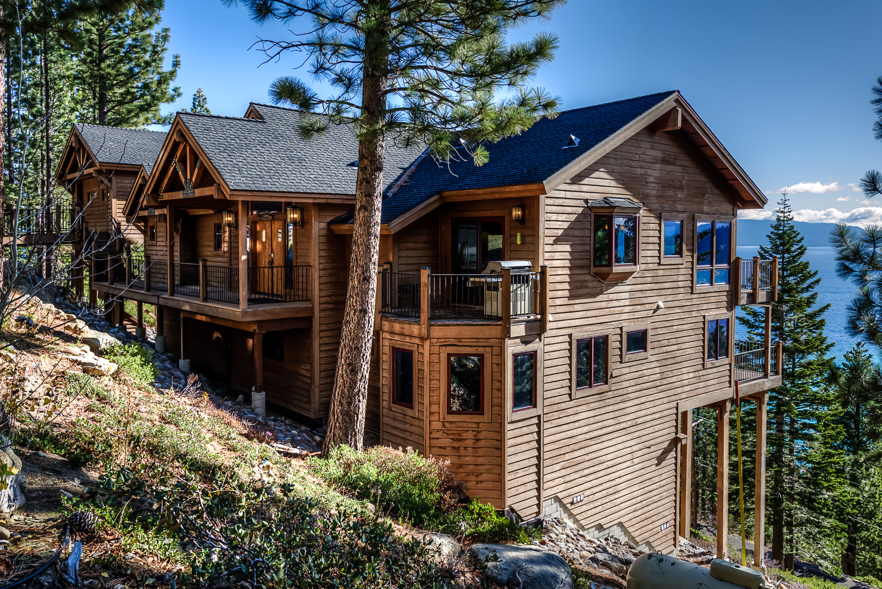 Unforgettable lake tahoe cabin ra88784 redawning for Rent a cabin in lake tahoe ca
