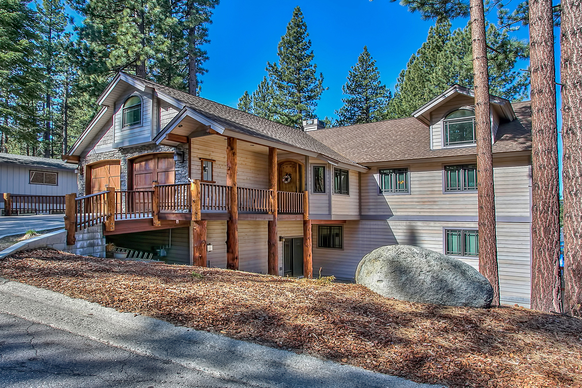 South lake tahoe home 1772 ra88846 redawning for Rent a cabin in lake tahoe ca