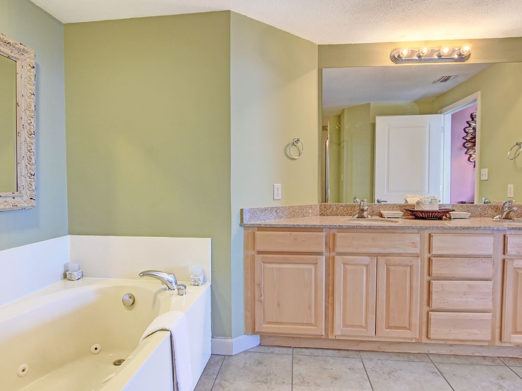 Grandview East 1201 - 3 Bedroom 3 Bath Unit on the Beach! ~ RA88929 ...