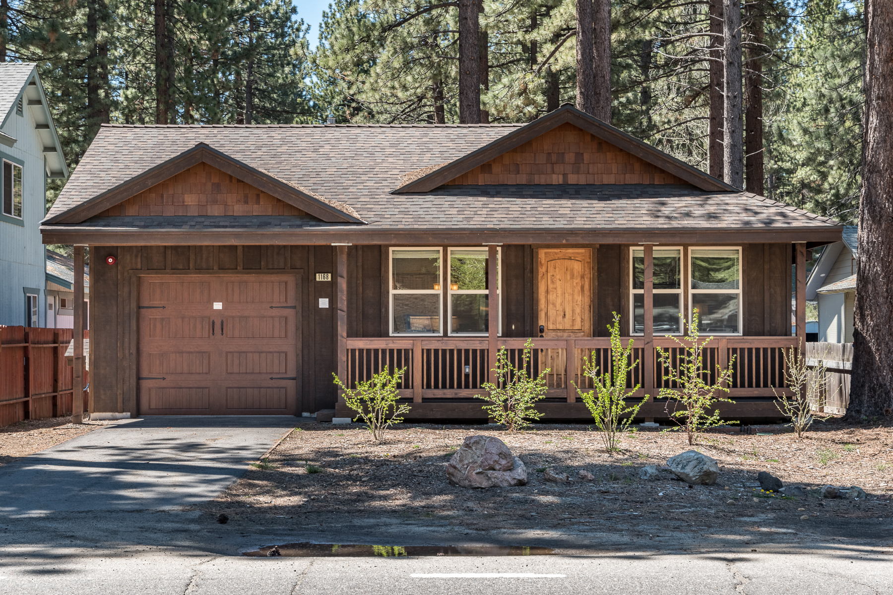 inspiration on flowy south rentals friendly cabin small lake decor cabins simple with home pet tahoe