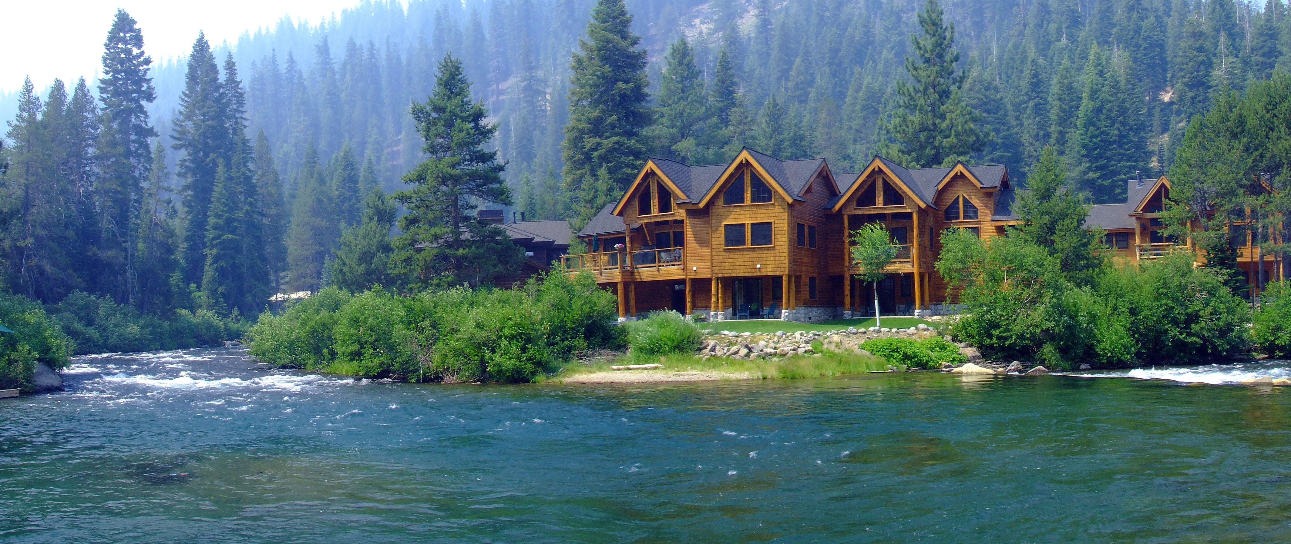 Cozy 2BD South Lake Tahoe  RA89618  RedAwning