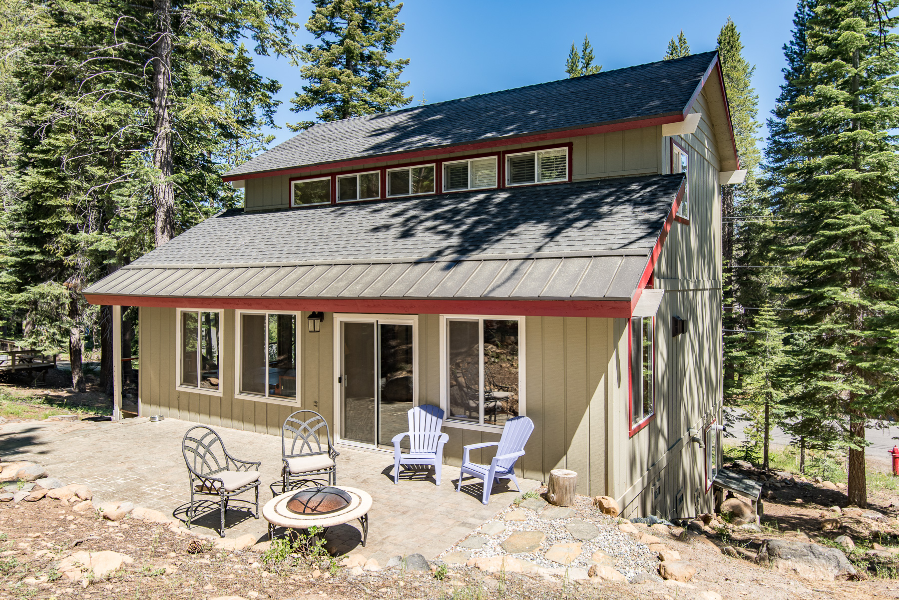 vacation in property charming donner redawning tahoe truckee cottages cottage rental hotel