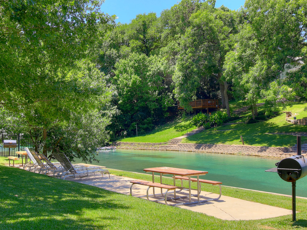 Inverness condos comal river ic216 ra144399 redawning - 2 bedroom suites in new braunfels tx ...