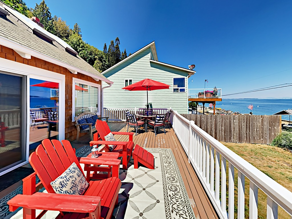 Waterfront 3BR Island Home   RedAwning