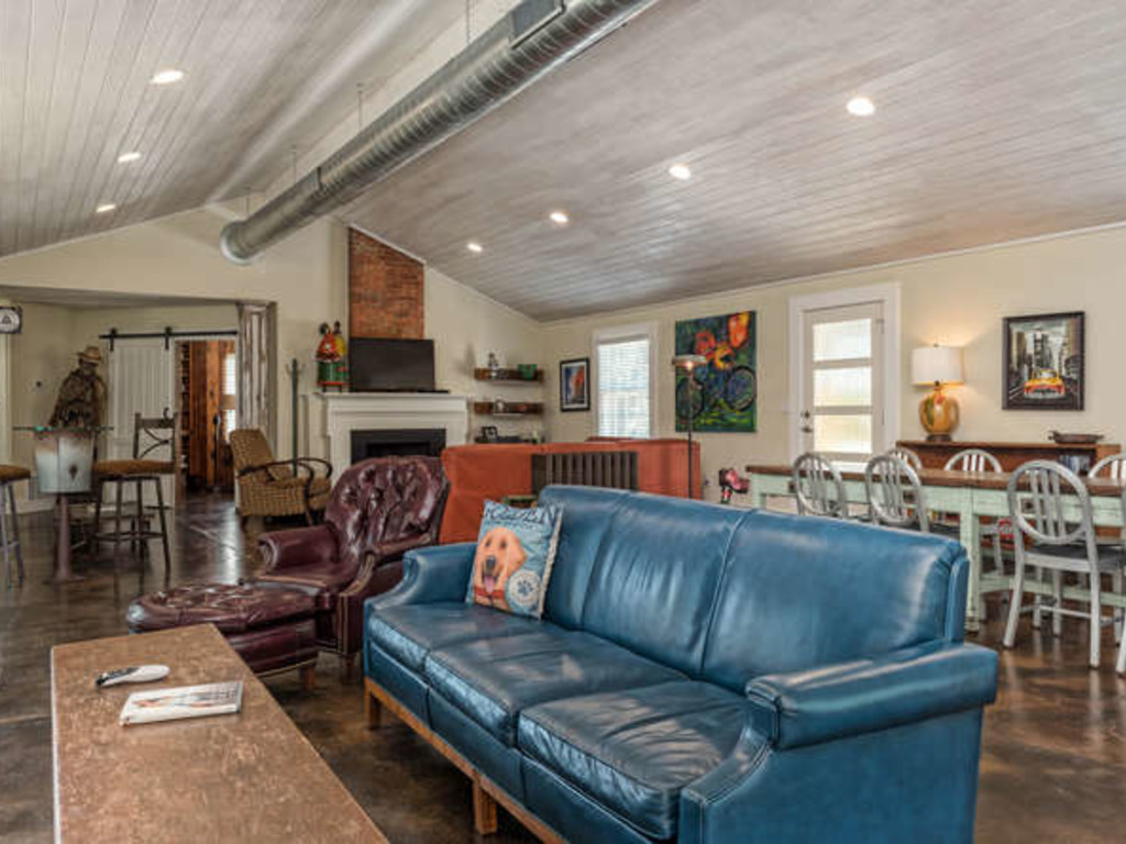 Cameron Park Baker Lane House Vacation Rental In Waco   RedAwning