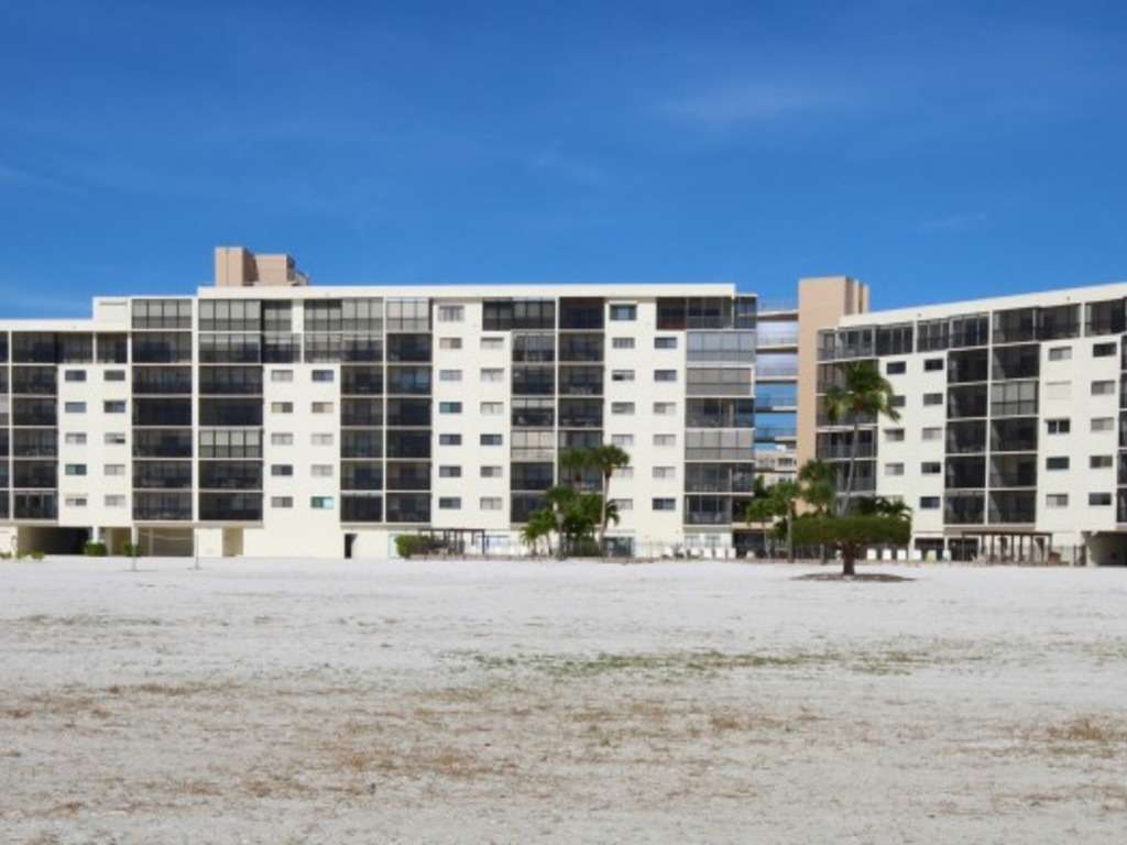 Carlos Pointe Unit 136 Vacation Al In Fort Myers Beach Redawning