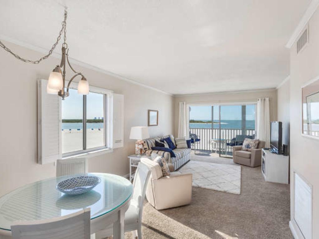 Castle Beach #401 ~ RA73732 | RedAwning
