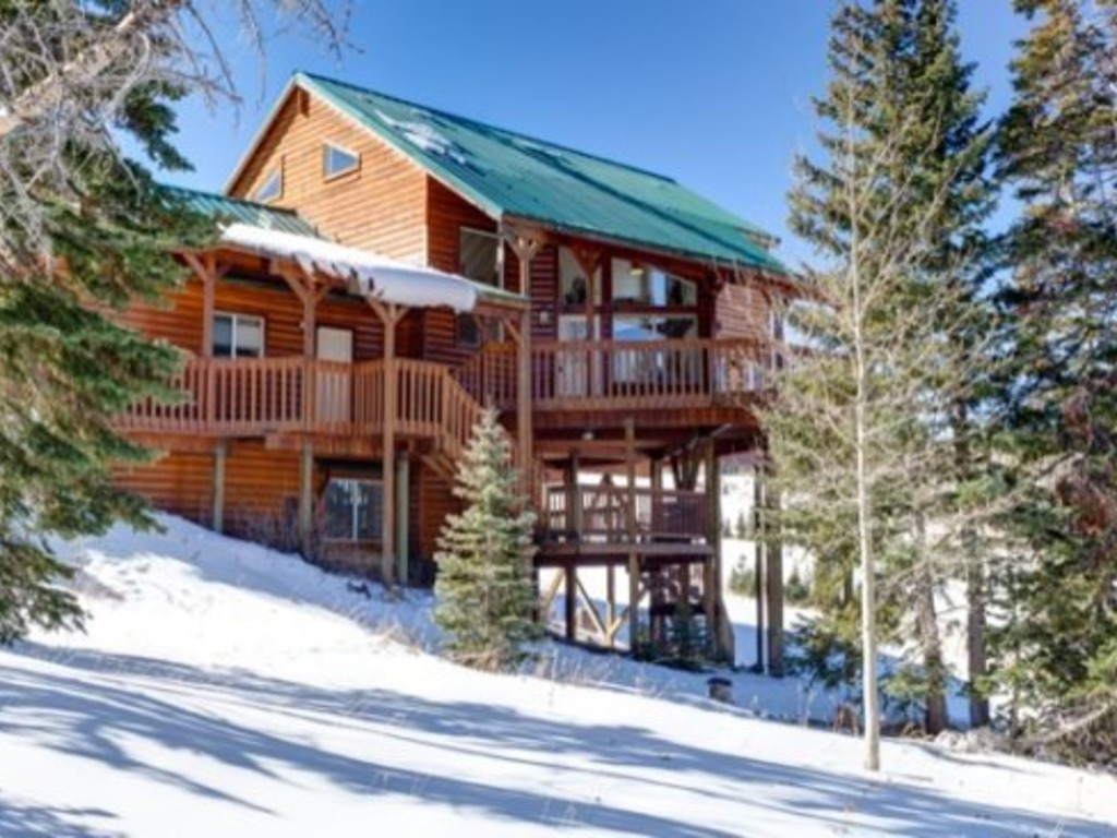 and head brian rentals trails cabins spacious slopes upscale ha cabin property to for close