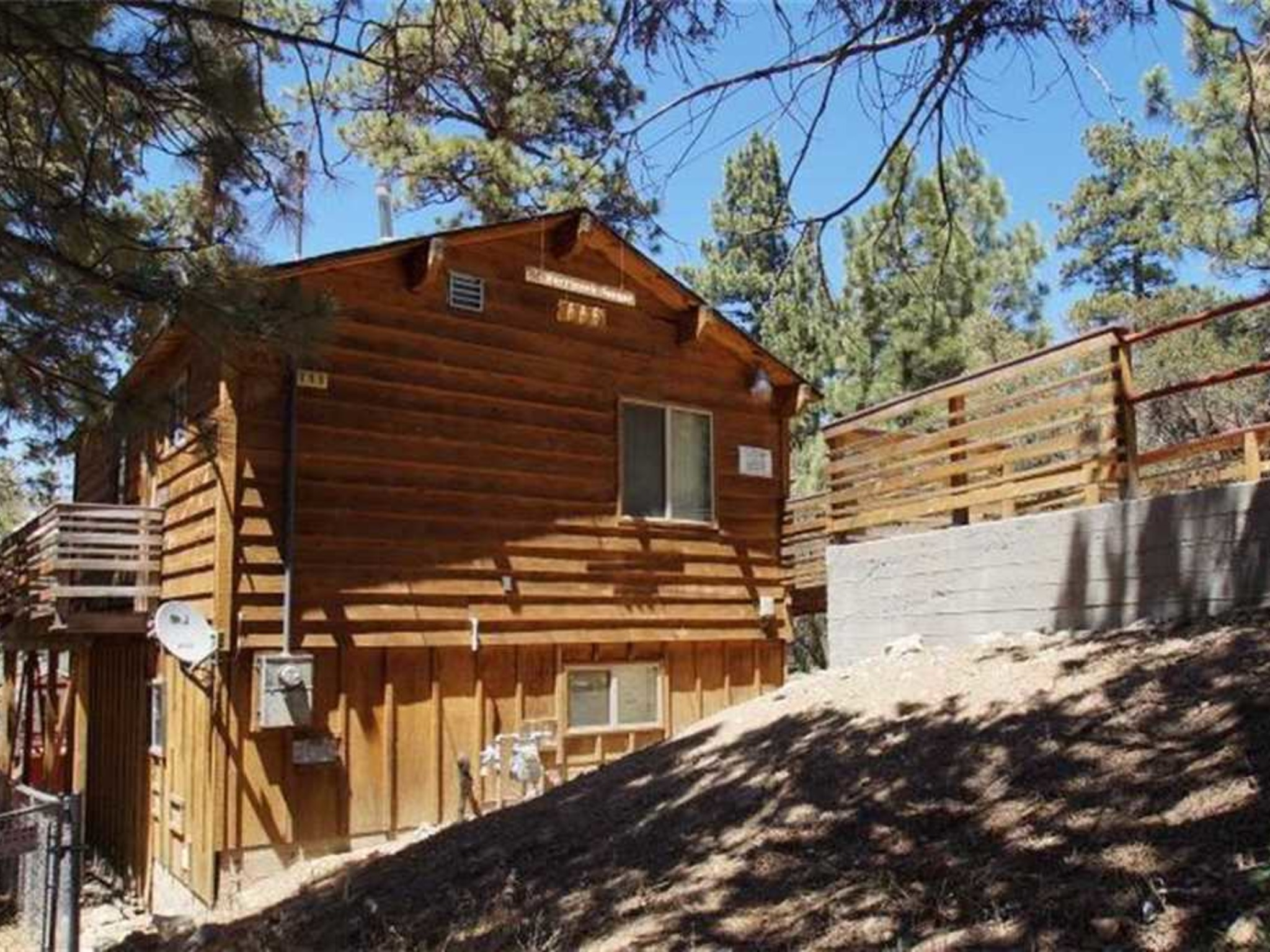 Harrison 39 s hanger cabin big bear city ca vacation for Cabin rentals in southern california