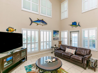 Updated Beachy North Padre Townhome