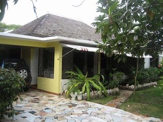 4 bedroom self catered house near the ocean and Montego Bay - image