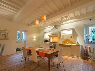 Cortona Concerto: In Cortona Centre, Lovely Apartment - image
