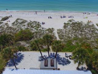 3 Palms Beachfront Cottages