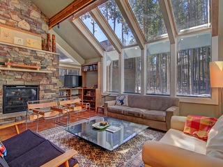 Spicewood Lodge - image