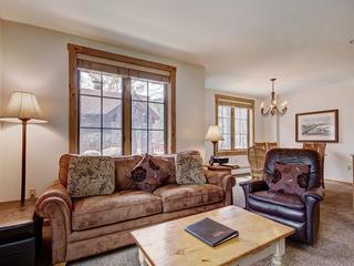 8452 Dakota Lodge