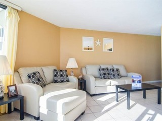 Sunbird Suites- One Bedroom Apartment with Side View
