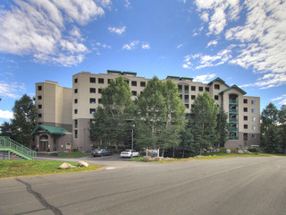 Towers at Lakepoint 605
