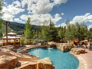 2Br Springs 8831 Condo~Short Walk to Gondola~Kids Ski Free