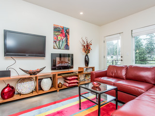 Modern 2BR on Capitol Hill w/ Views