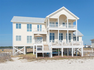 6BR Beachfront w/ Huge Decks & Amazing Gulf View