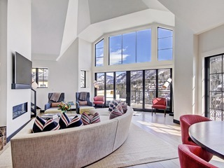 Iconic 5 Br Penthouse at the Ritz-Carlton, Sleeps 18 Guests!