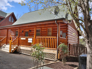 Wild Adventures Cabin