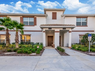 1590MV Ultimate Town Home With Pool