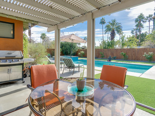 3BR/2BA Modernist Pool and Jacuzzi in Palm Springs